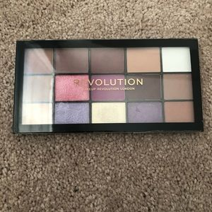 Revolution Re-Loaded Visionary Eyeshadow Palette